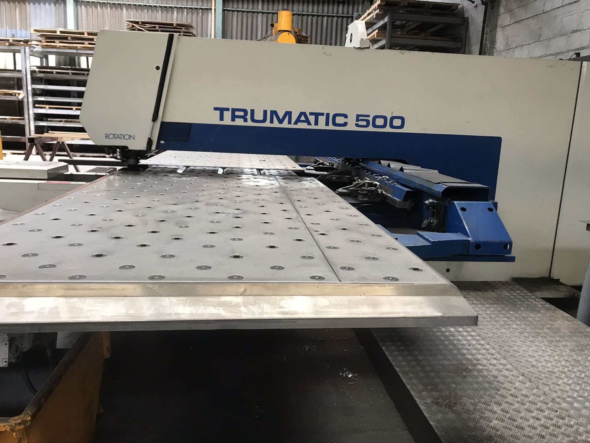 Stanzmaschine TRUMPF TRUMATIC 500 Bilder auf Industry-Pilot