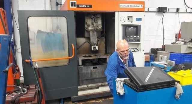 Drahterodiermaschine CHARMILLES ROBOFIL 310 Bilder auf Industry-Pilot