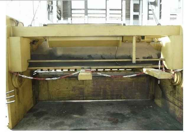 Hydraulic guillotine shear  BEYELER CP 3100 x16 1993 photo on Industry-Pilot