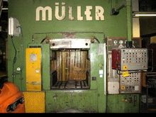 Double Column Press - Hydraulic MÜLLER-WEINGARTEN PUK 2000-10.1.2 photo on Industry-Pilot